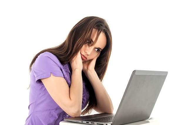 Lavorare al computer affaticamento
